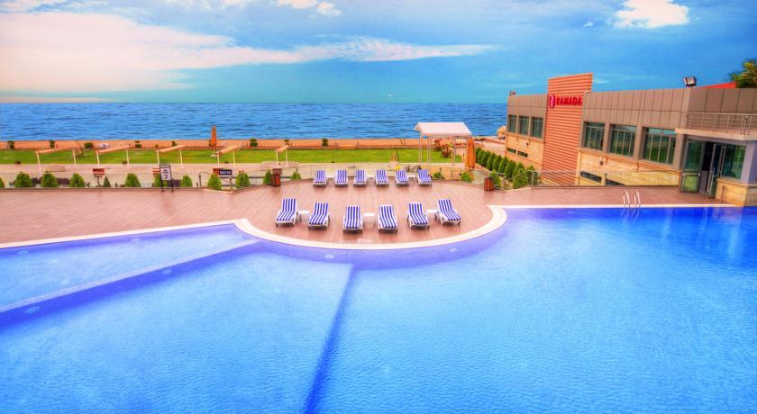 فندق رامادا باكو 3