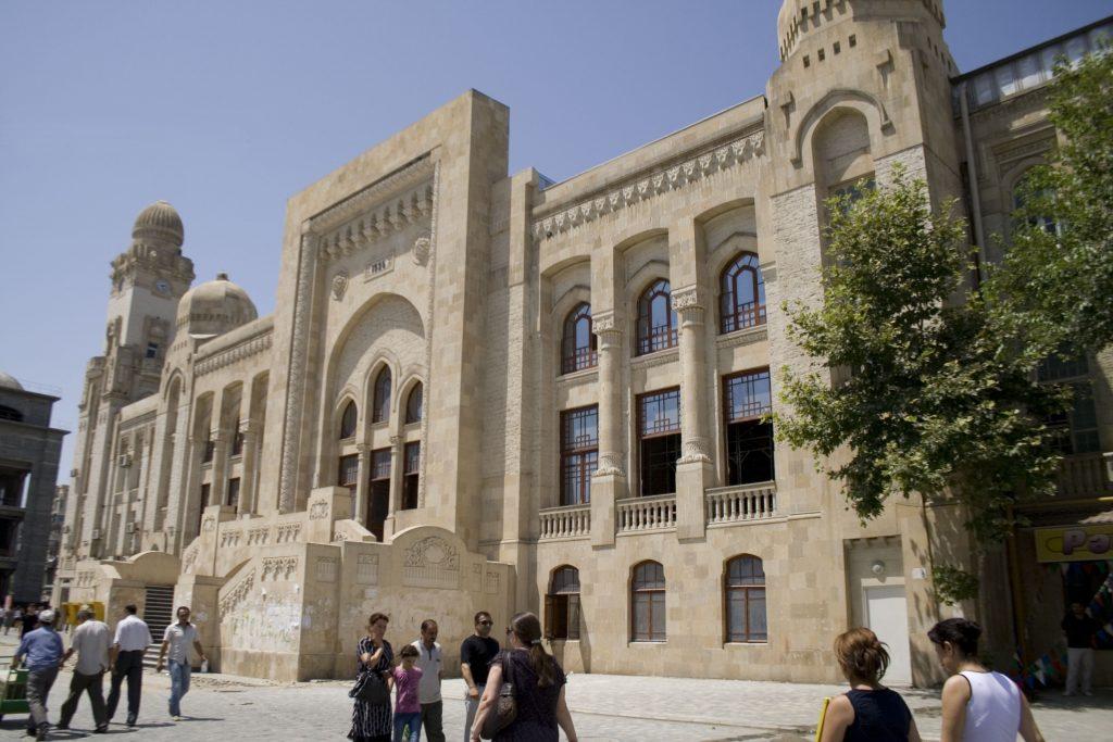 محطة باكو عاصمة اذربيجان
