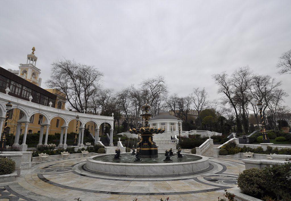 نوافير فيلهارمونيك Philharmonic Fountain Park