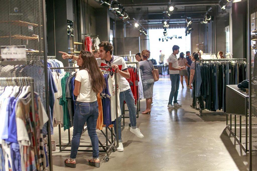 التسوق في باكو اذربيجان