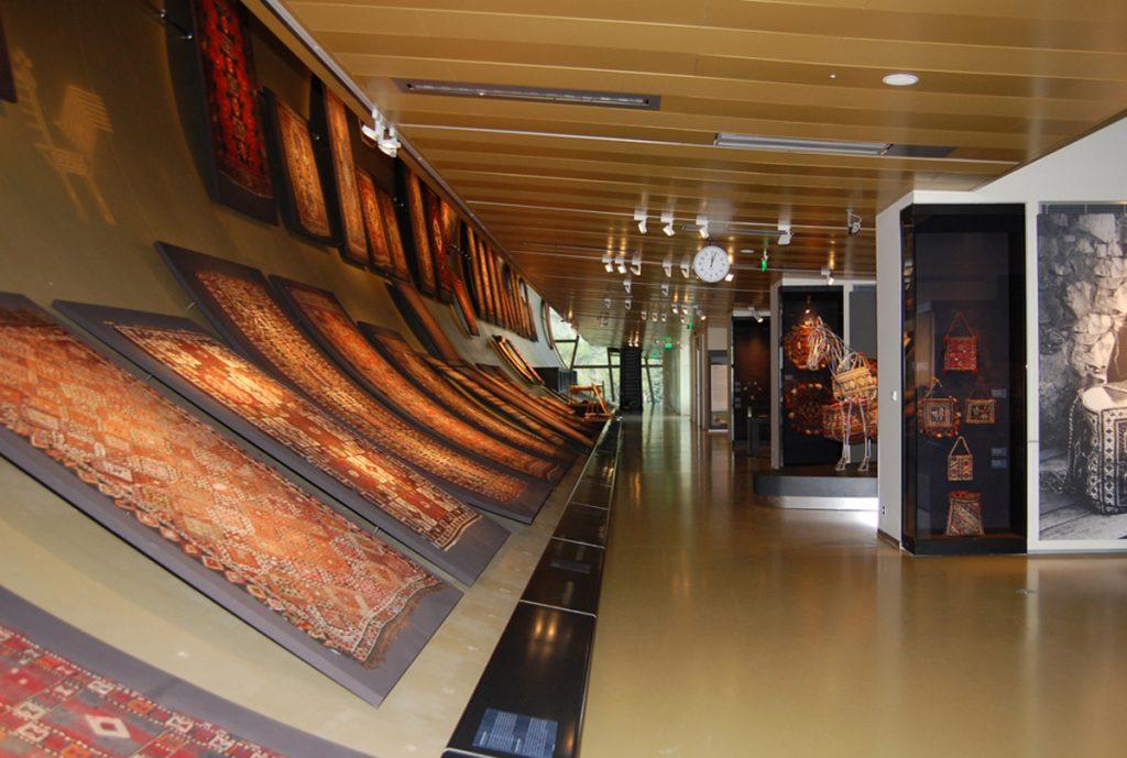 متحف السجاد من متاحف اذربيجان