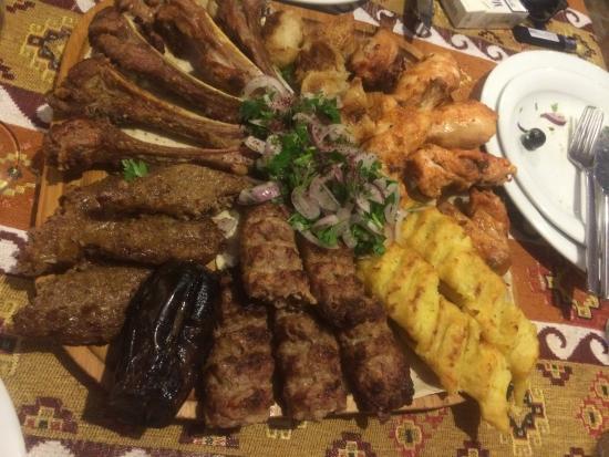 مطعم فيروز في باكو اذربيجان
