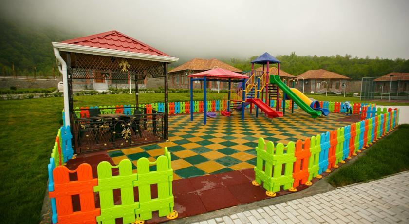 Sheki Park 4