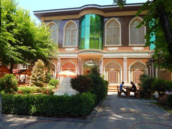 Chalabi Khan مطعم شلبي خان مطاعم مدينة شكي