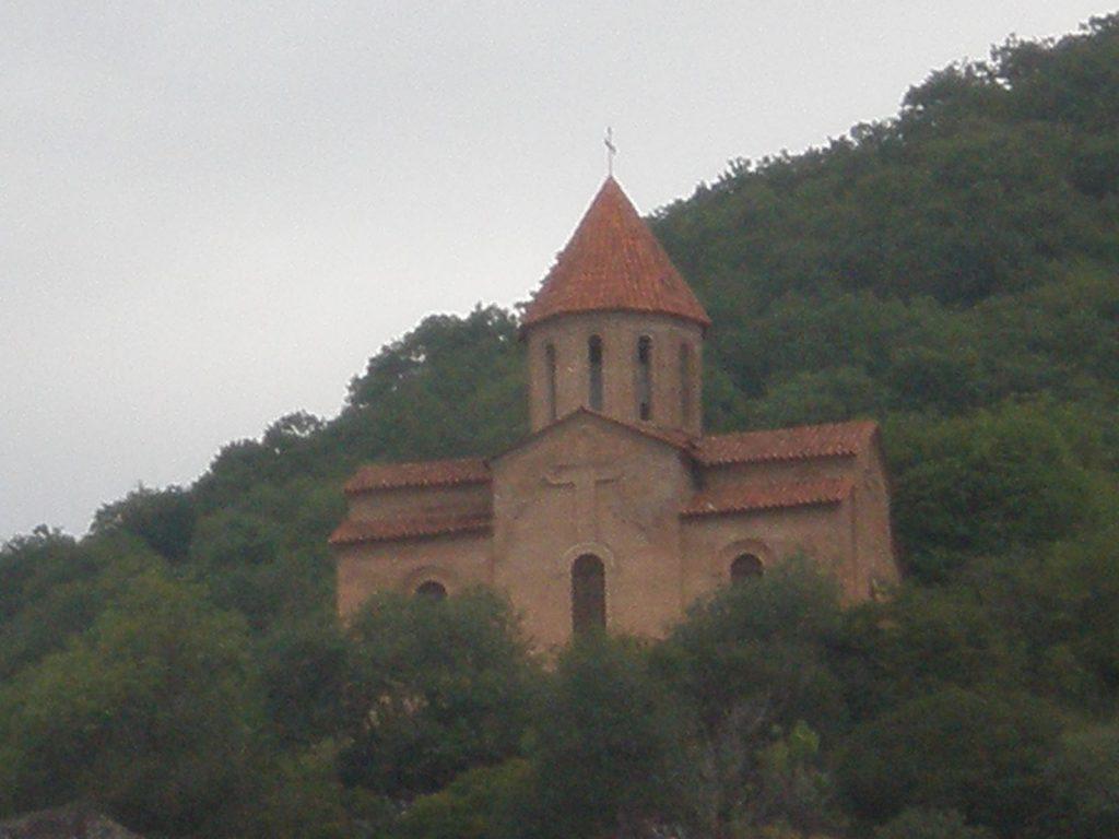 واحدة من الكنائس العريقة التى تضمها قاخ