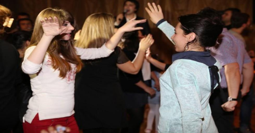 سهرات راقصة وأجواء مرحة تستطيع الإستمتاع بها فى قاعة الأحتفالات بالفندق